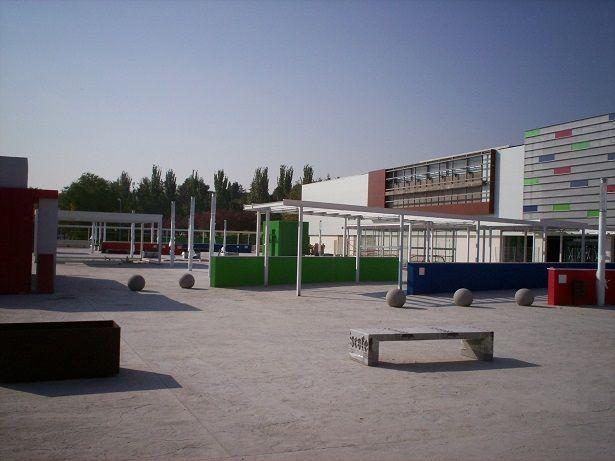 Acceso centro comercial 7