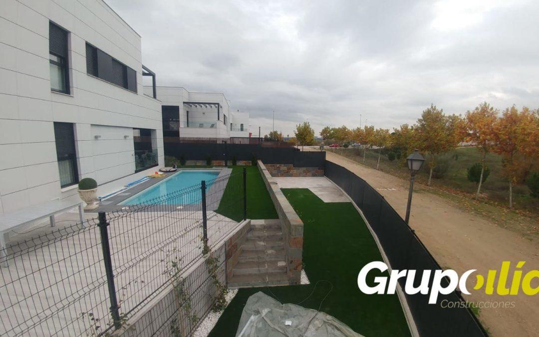 Remodelación de jardín con piscina